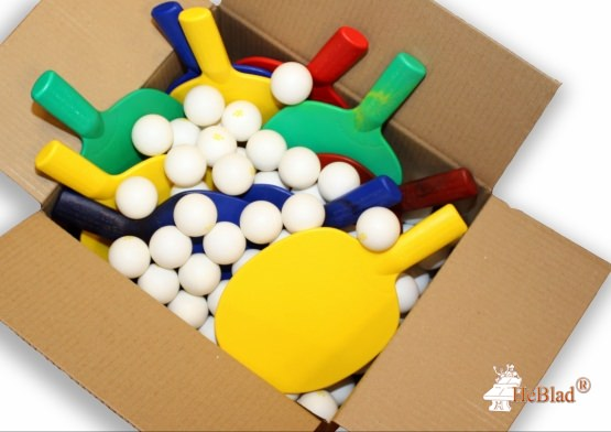 Starter set with table tennis balls and ping-pong balls